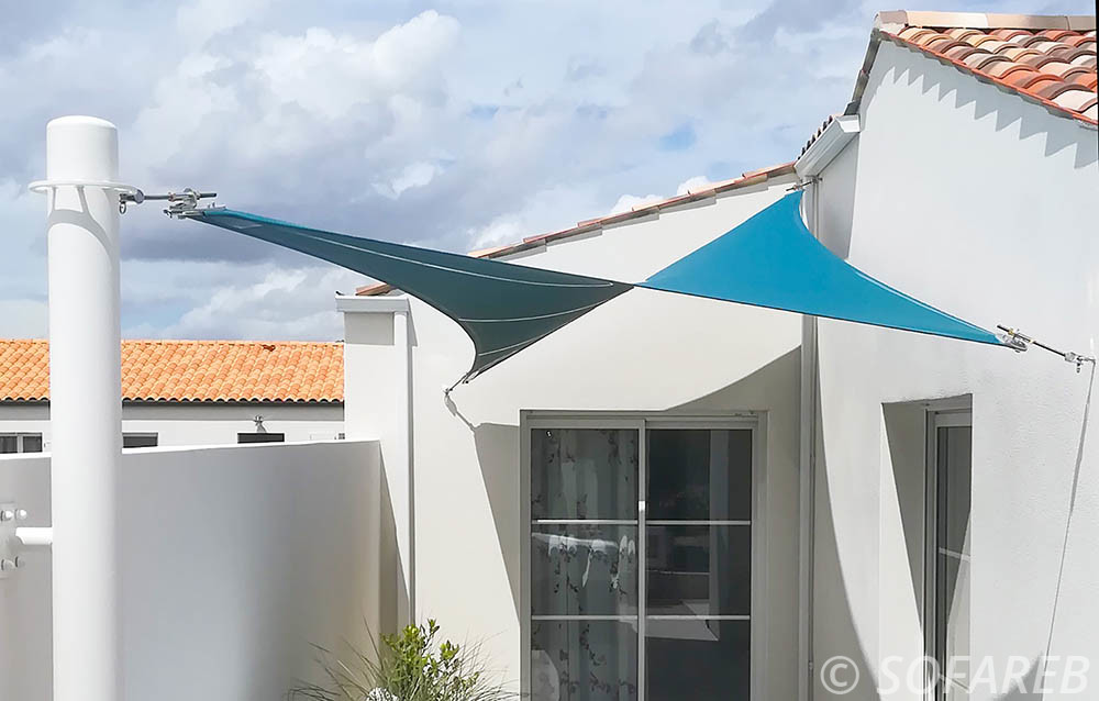 voile d'ombrage double courbure bleu sofareb