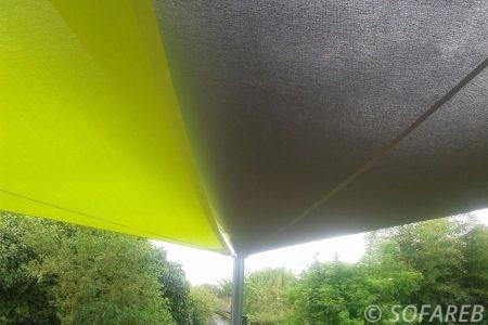 verte-grise-noire-voile-d'ombrage-qualite-professionnelle-particulier-sur-mesure-mesures-vendée-qualité-france-française-Sofareb-local-expérience-particulier-professionnels-protection-solaire-terrasse-exterieur-design-moderne-jardin-ombre-ombrage-architecte