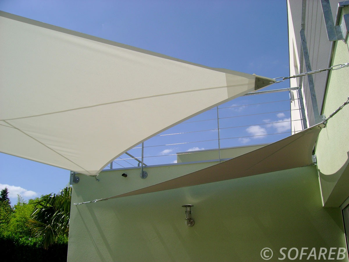 voile-d'ombrage-qualite-professionnelle-particulier-sur-mesure-mesures-vendée-qualité-france-française-Sofareb-local-expérience-particulier-professionnels-protection-solaire-terrasse-exterieur-design-moderne-jardin-ombre-ombrage-architecte-shadesail