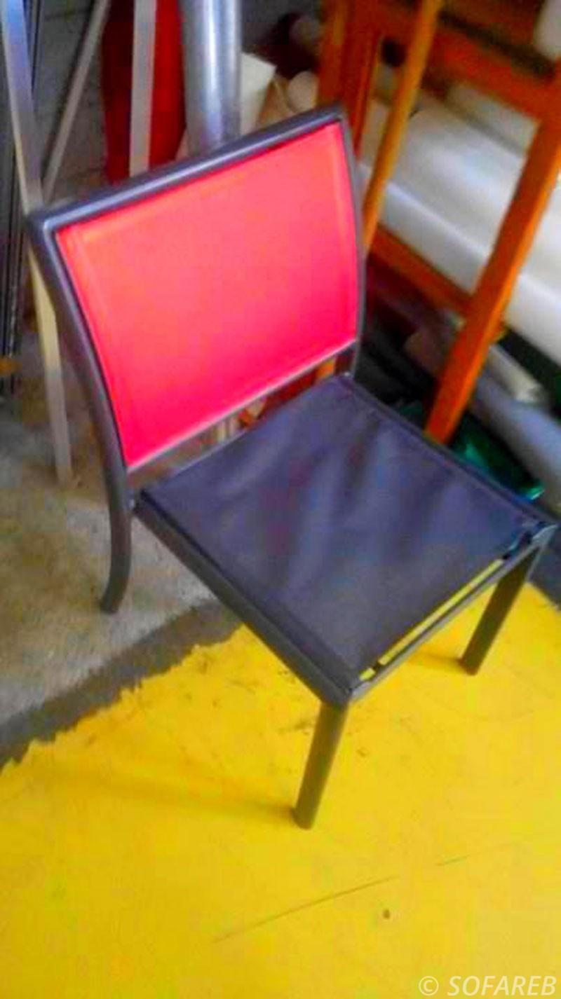bache-sur-mesure-qualite-professionnelle-industriel-sur-mesure-mesures-vendée-bâche-baches-bâches-qualité-Sofareb-local-expérience-découpe-précision-particulier-professionnels-protection-chaise-confection-rouge-noire-surdemande
