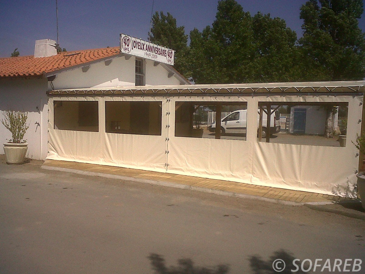 Bache sur mesure qualite fermeture veranda terrasse for Etancheite terrasse sur garage