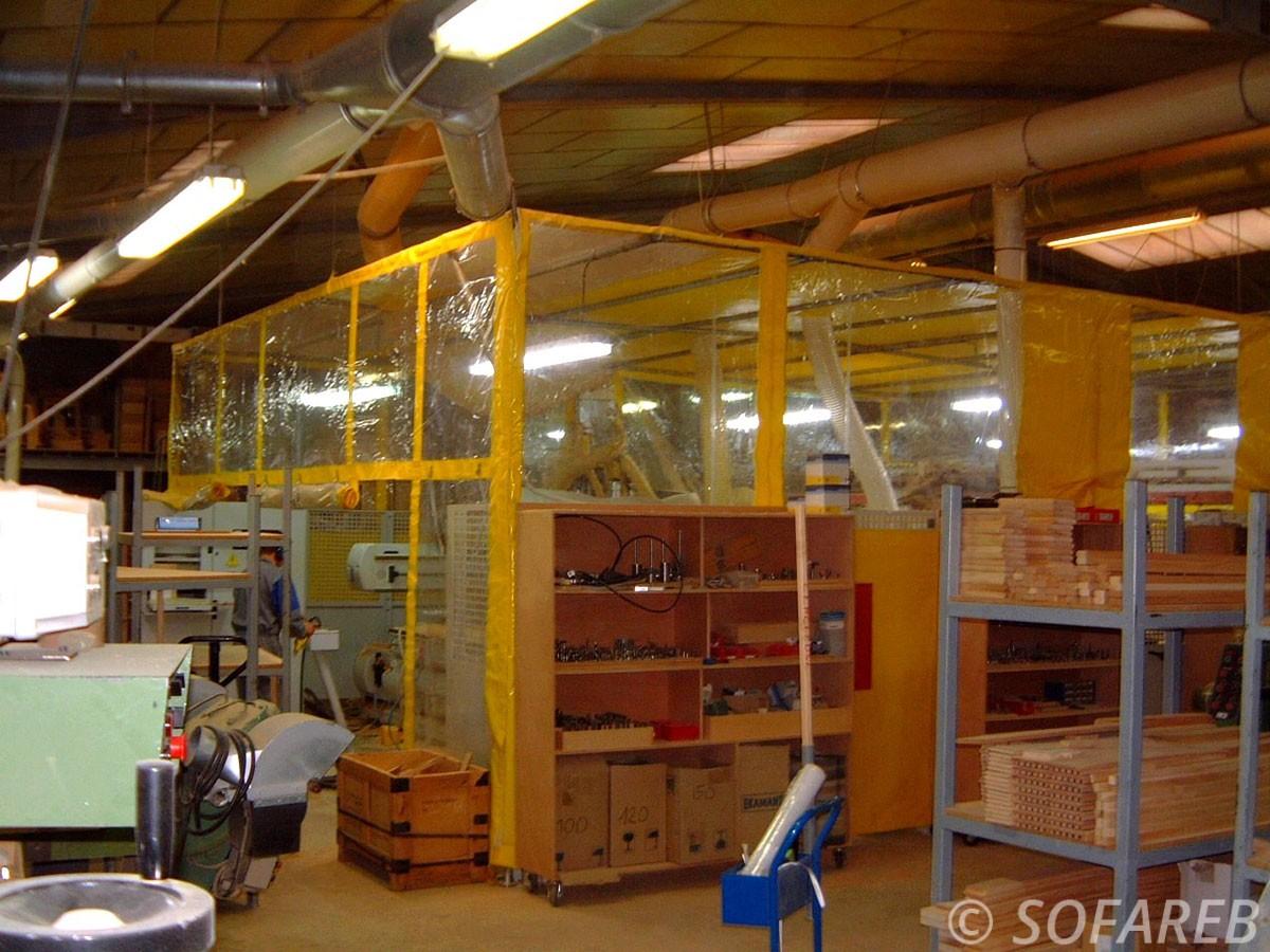 bache-sur-mesure-qualite-professionnelle-industriel-sur-mesure-mesures-vendée-bâche-baches-bâches-qualité-Sofareb-local-expérience-découpe-précision-particulier-professionnels-protection-machines-industrielles