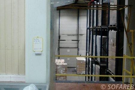 bache-sur-mesure-qualite-professionnelle-industriel-sur-mesure-mesures-vendée-bâche-baches-bâches-qualité-Sofareb-local-expérience-découpe-précision-particulier-professionnels-protection-machine-industrielle-rideau