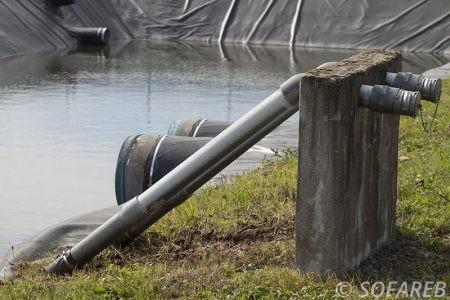 étanchéité-bache-sur-mesure-qualite-professionnelle-industriel-sur-mesure-mesures-vendée-bâche-baches-bâches-qualité-france-française-Sofareb-local-expérience-découpe-précision-particulier-professionnels-protection-bassin-agricole-reserve-eau-stockage