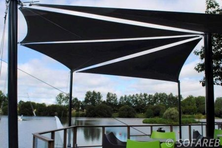 Voile d-ombrage terrasse bord de lac