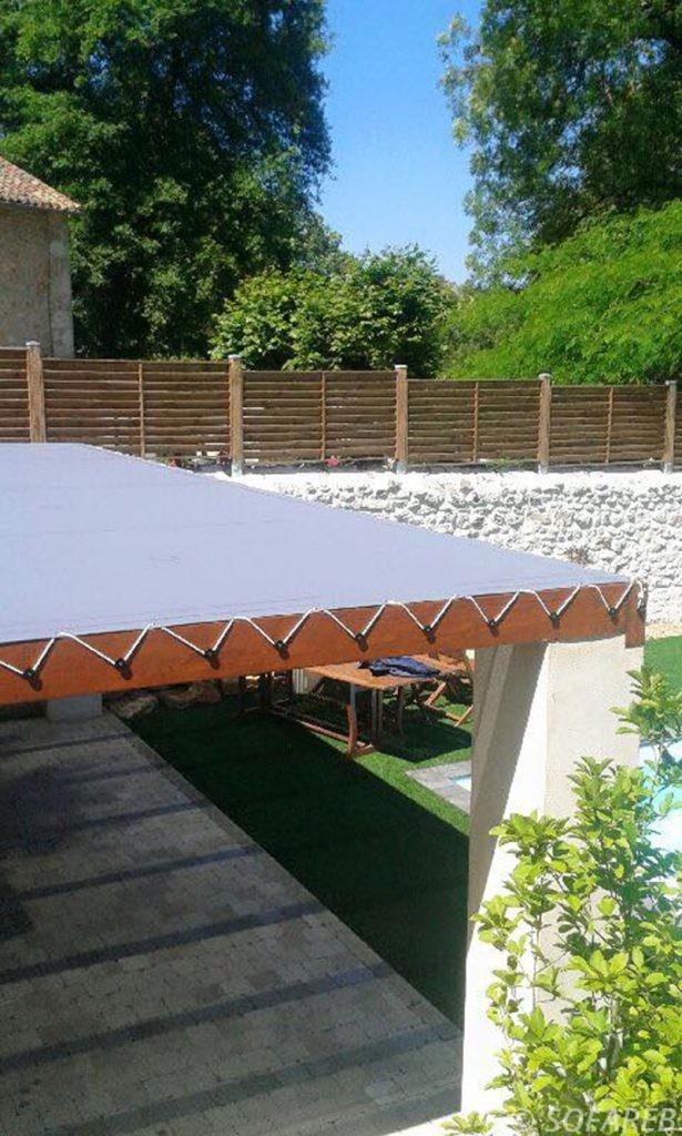 pergola-qualite-professionnelle-particulier-sur-mesure-mesures-vendée-qualité-france-française-Sofareb-local-expérience-structure-particulier-professionnels-protection-solaire-pergola-terrasse-exterieur-design-moderne-jardin-ombre-ombrage-abri-gris