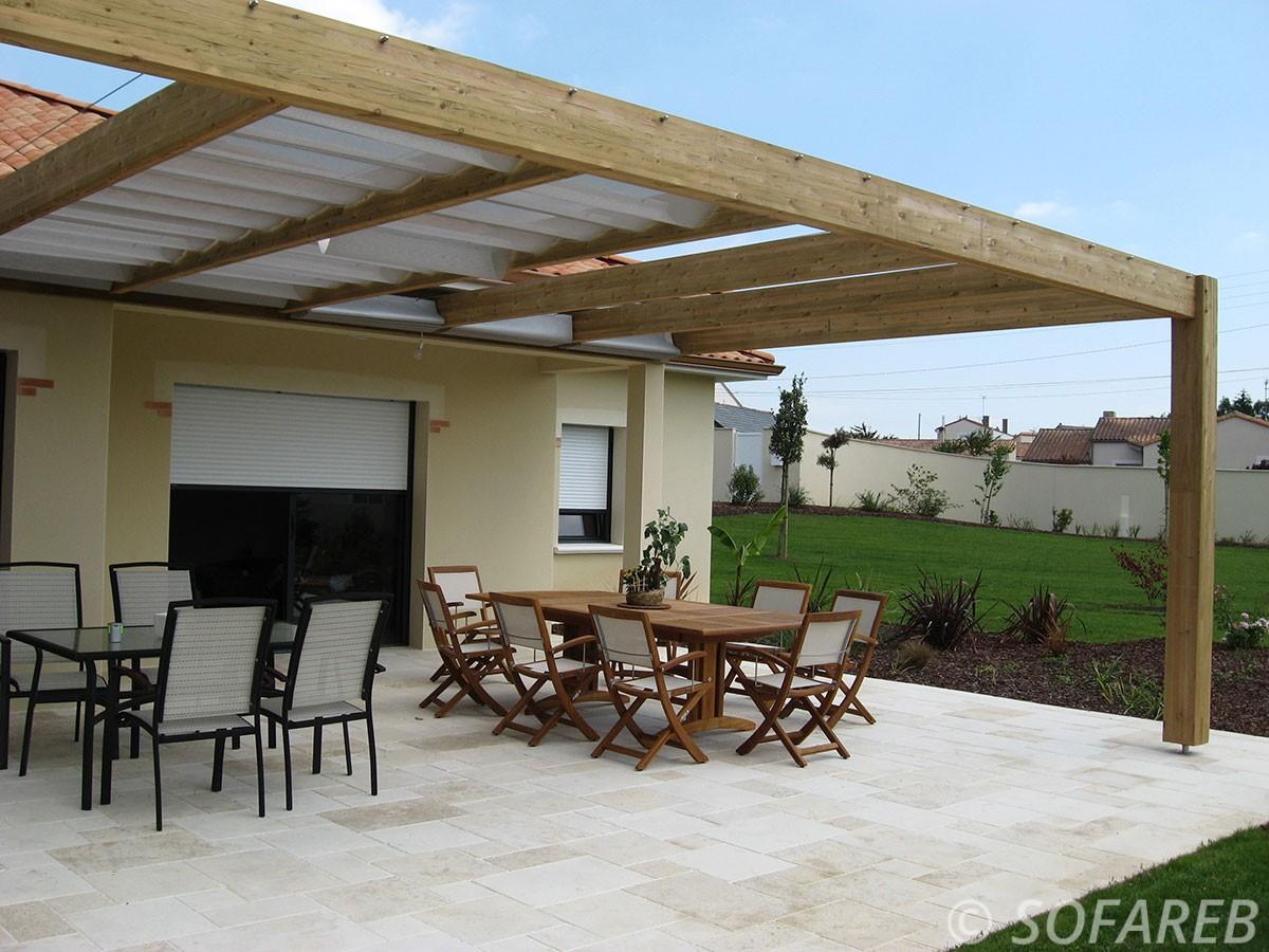 pergola-qualite-professionnelle-particulier-sur-mesure-mesures-vendée-qualité-france-française-Sofareb-local-expérience-structure-particulier-professionnels-protection-solaire-pergola-terrasse-exterieur-design-moderne-jardin-ombre-ombrage-abri-bois-lames-orientables