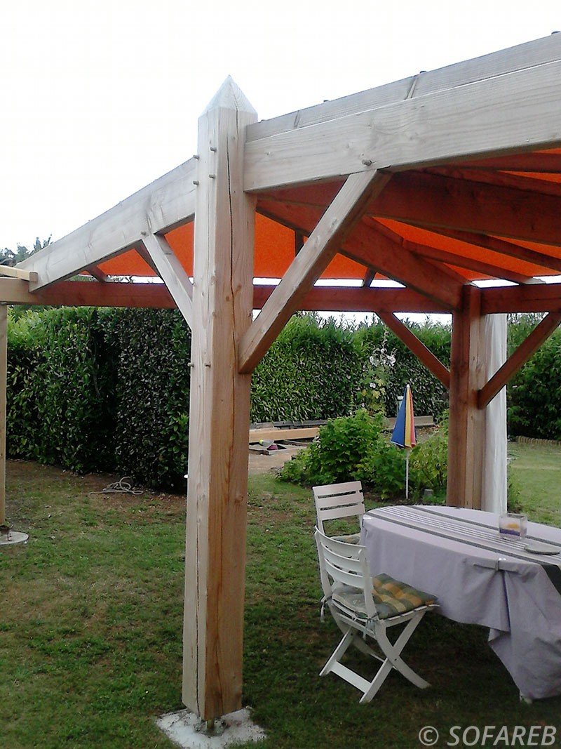 Voile Ombrage Pergola Bois pergola-structure-bois-toile-tendue-orange (2) - sofareb