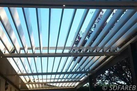 pergola-qualite-professionnelle-particulier-sur-mesure-mesures-vendée-qualité-france-française-Sofareb-local-expérience-structure-particulier-professionnels-protection-solaire-pergola-terrasse-exterieur-design-moderne-jardin-ombre-ombrage-abri-lame-orientable