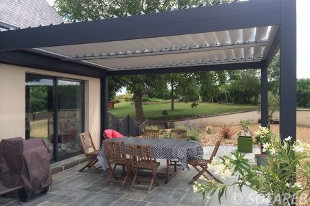 pergola-qualite-professionnelle-particulier-sur-mesure-mesures-vendée-qualité-france-française-Sofareb-local-expérience-structure-particulier-professionnels-protection-solaire-pergola-terrasse-exterieur-design-moderne-jardin-ombre-ombrage-abri