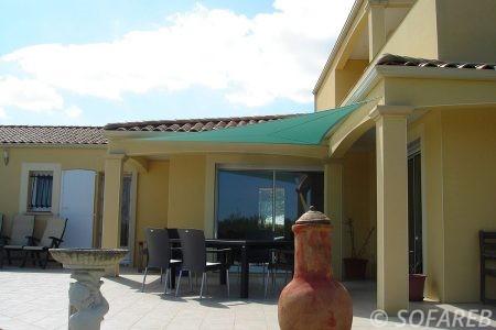 Voile d'ombrage cyan terrasse modern