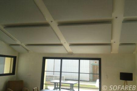 solution-acoustique-particulier-décoration-intérieure-grise-architecture-vendée-collectivités-sofareb-vendée-entreprise-bâche-bache-baches-sur-mesure-qualité-surmesure-tissu-technique-beige-professionnel