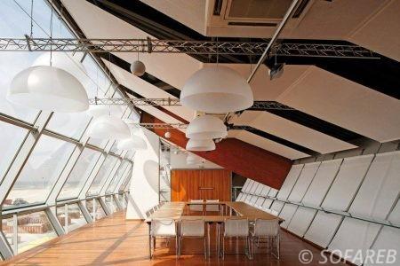 panneaux-acoustique-dans-une-salle-de-reunion