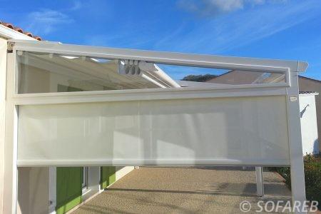 store blanc exterieur maison cote de la terrasse