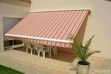 Store rouge et blanc ombrage exterieur - depliable fabrication vendee store