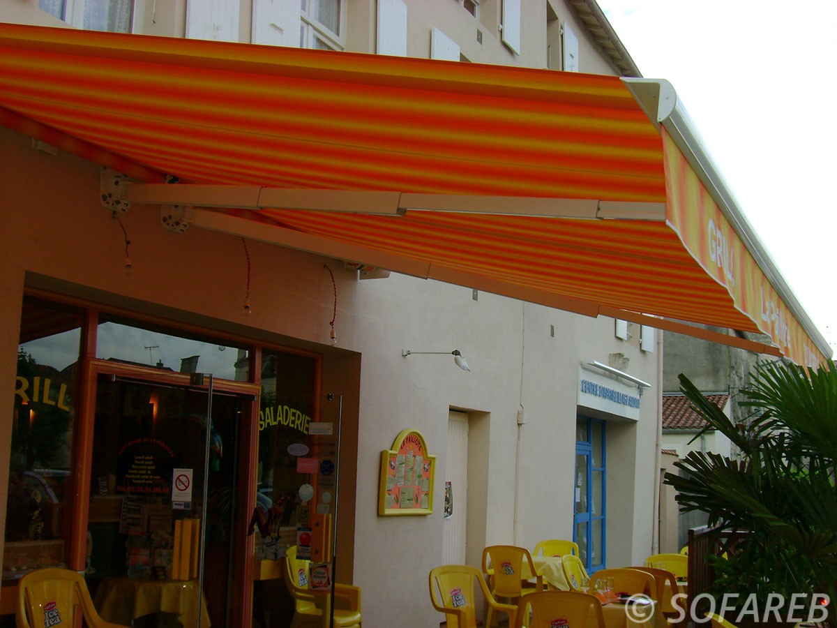 Store orange et jaune dépliable - devanture restaurant fabrication vendee store