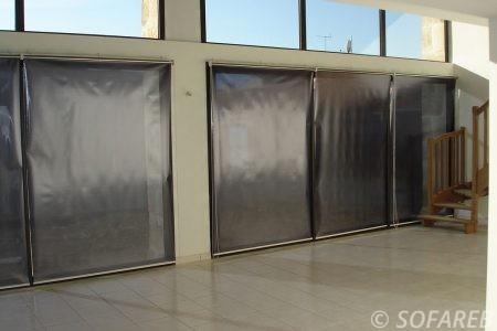 rideau store gris interieur ouvrable par les cotes
