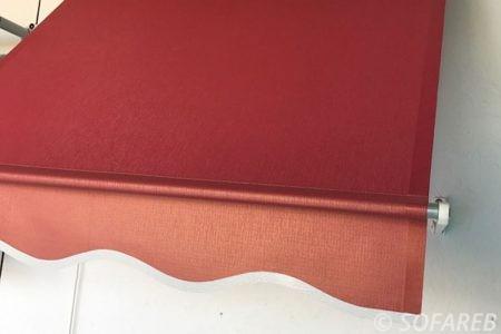 store rouge devanture exterieure ombrage