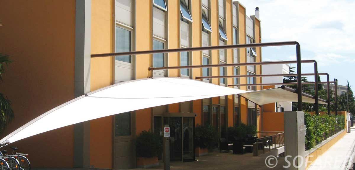 structure-qualite-professionnelle-particulier-sur-mesure-mesures-demande-vendée-qualité-france-française-Sofareb-local-expérience-particuliers-professionnels-protection-technique-exterieur-architecte-metallo-textile