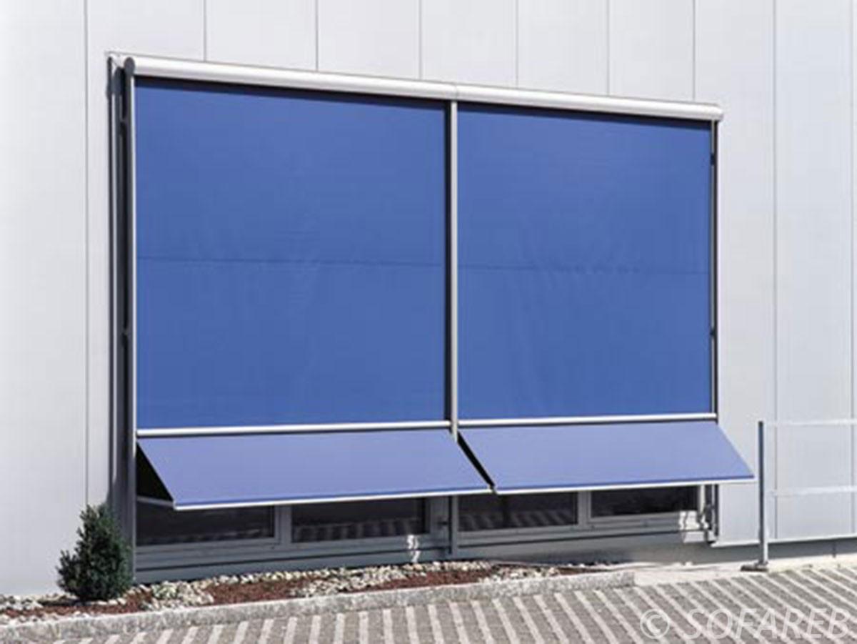 Store bleue verticale exterieur ombrage total