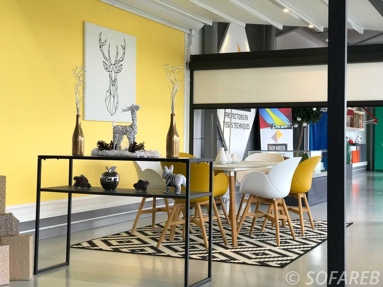 panneaux-acoustique-personnalises-showroom