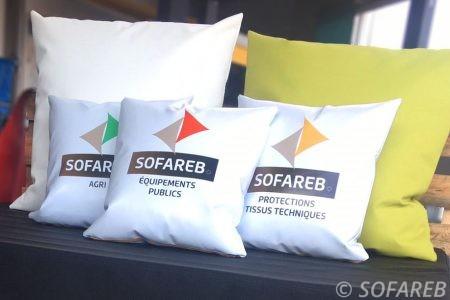 fabrication-et-personnalisation-coussins-impermeables